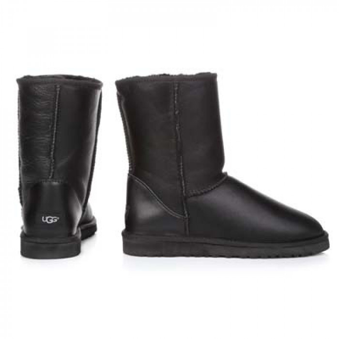 UGG Classic II Short Leather Black